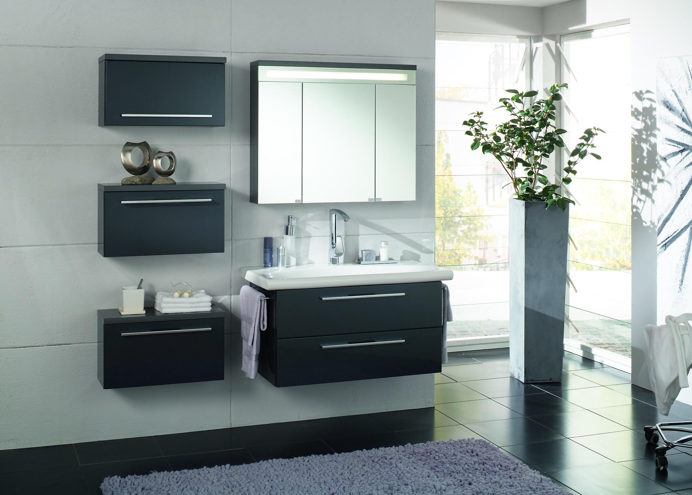 Функциональность это ключевое но не единственное преимущества использования мебели в ванной