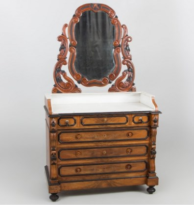 Антикварный комод с зеркалом из Франции