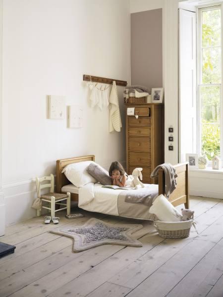 Аранжировки интерьера – деревянная мебель в комнате ребенка