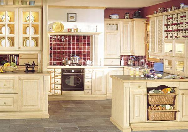 Мебель из светлого дерева для кухни