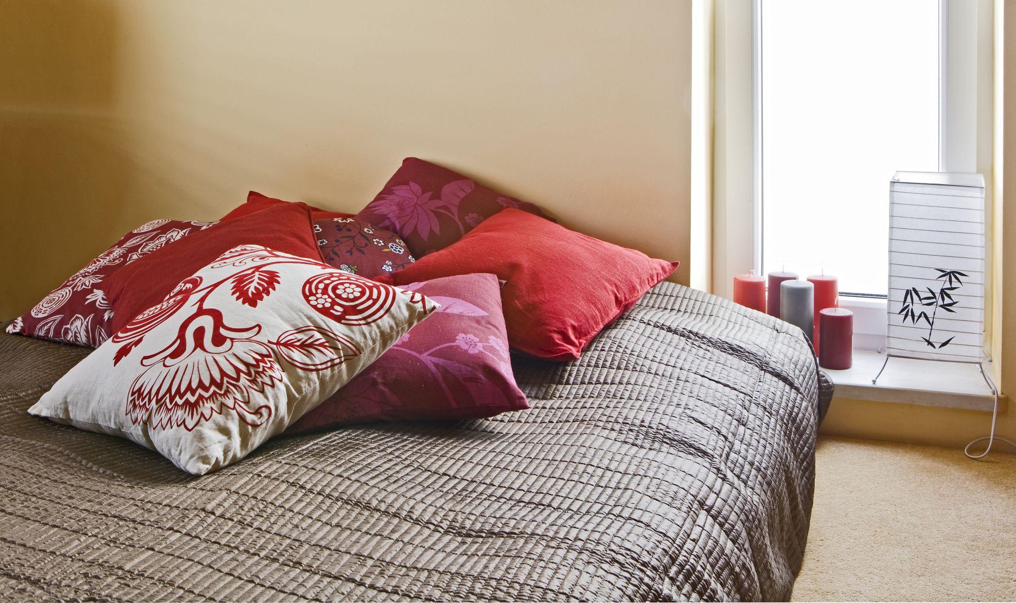 Спальня в японском стиле: гармония интерьера