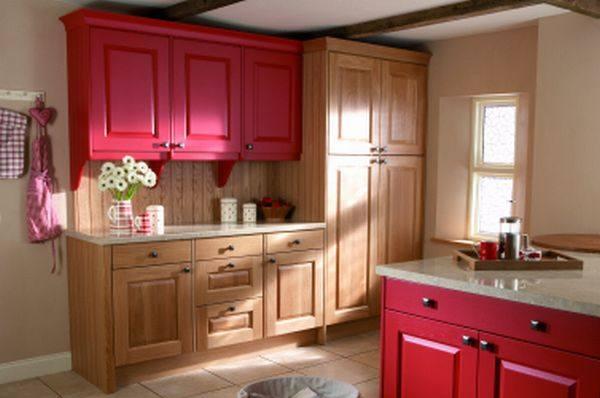 Цветная мебель на кухне