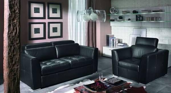 Интерьер гостиной – удобная кожаная мебель