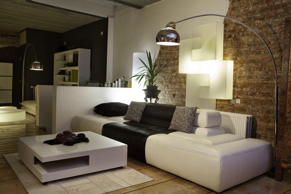Идеи для интерьера: как  закончить стену в комнате?