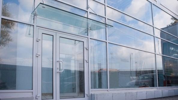 Фасадное остекление придает архитектурным конструкциям индивидуальность